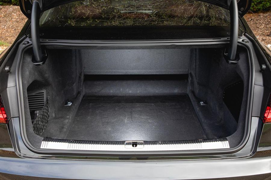 Audi S8 2020 : premier bilan de conduite au Royaume-Uni - boot