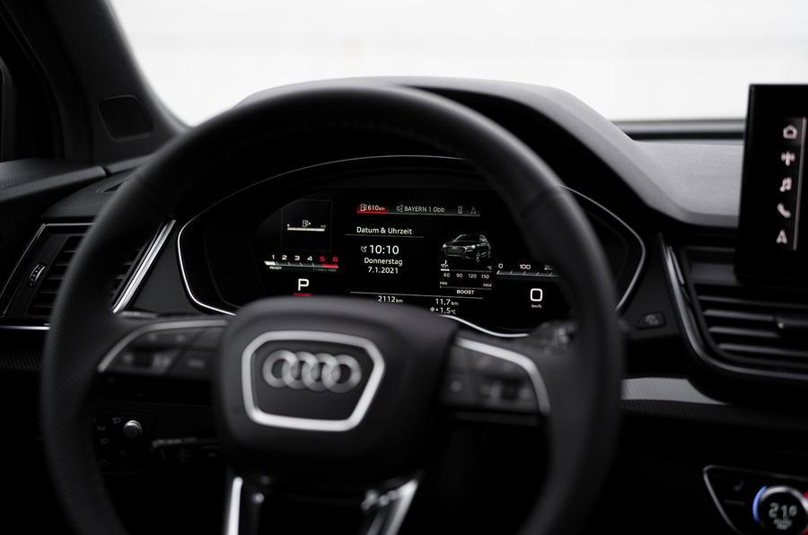 11 Audi SQ5 2021 : premiers instruments d'examen de conduite