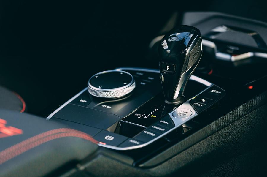 11 BMW 1 Série 128ti 2021 : le premier centre d'examen de conduite du Royaume-Uni consoe