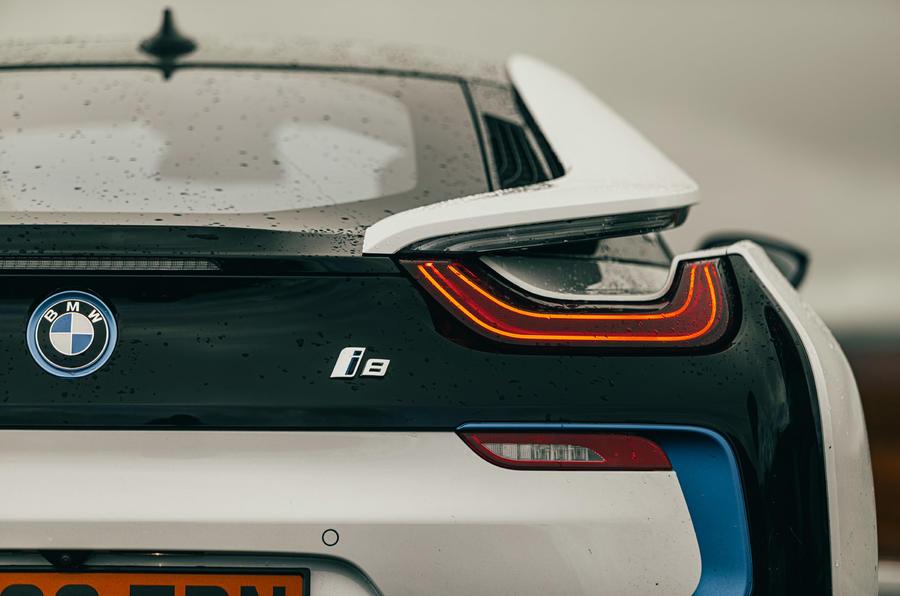 BMW i8 - static rear