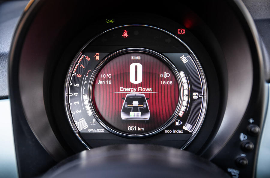 Fiat 500 Hybrid 2020 first drive review - instruments