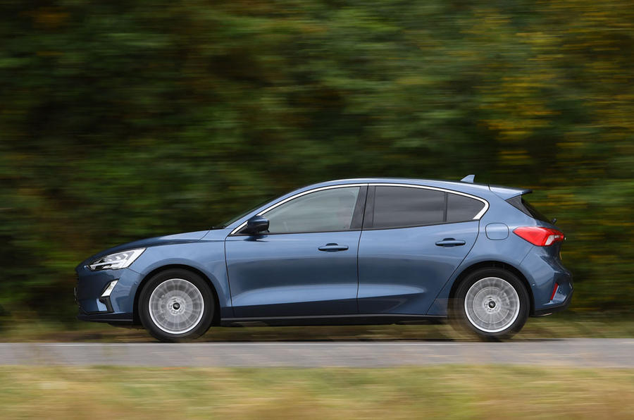 Ford Focus 1.0 Titanium X 2018 UK first drive review on the road side