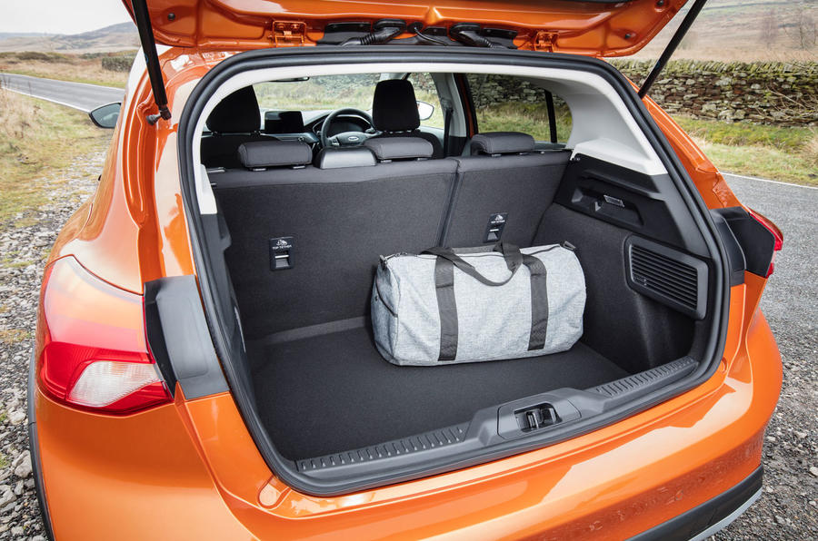 Ford Focus Active 2019 first drive review - boot