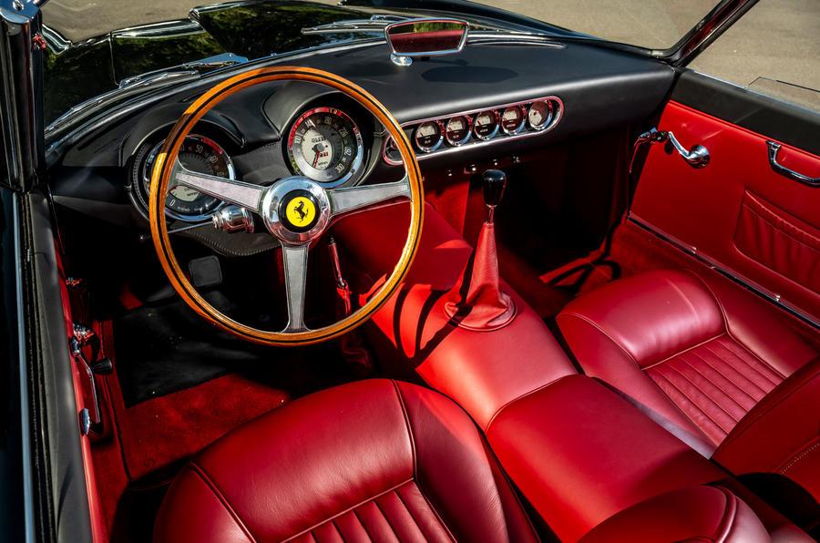 11 GTO California Spyder revival 2021 UE FD tableau de bord