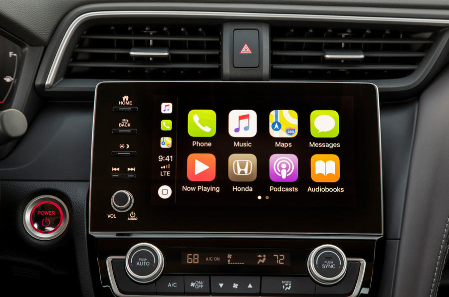 Honda Insight 2019 first drive review - Apple CarPlay