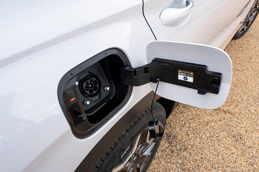 11 Hyundai Santa Fe PHEV 2021 UE FD bouchon