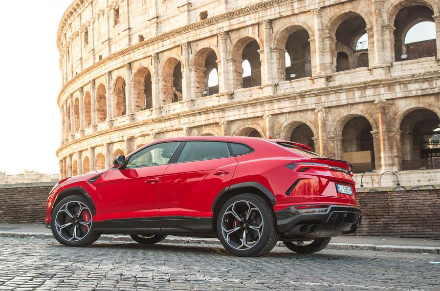 Lamborghini Urus review 2018 static side