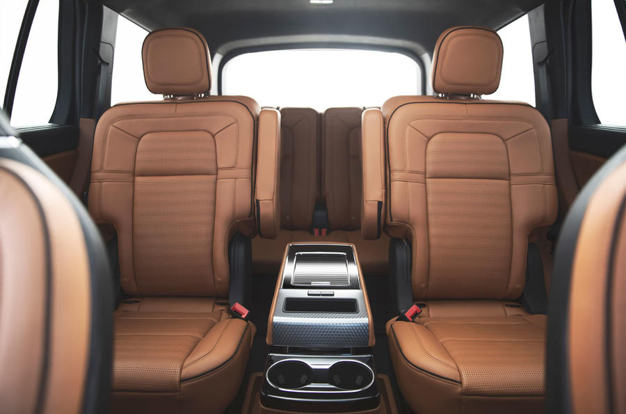 Lincoln Aviator 2020 first drive review - middle row