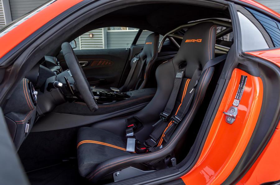 Mercedes-AMG GT Black Series 2020 : premier bilan de conduite - cabine