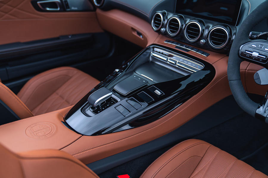 Mercedes-AMG GT R Roadster 2019 UK first drive review - centre console