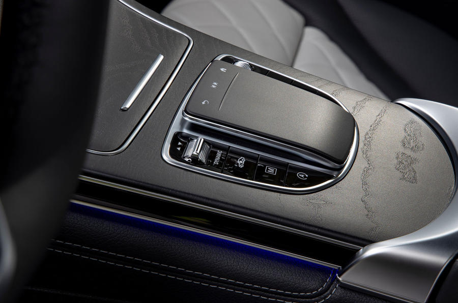 Mercedes-Benz GLC 300d 2019 first drive review - centre console