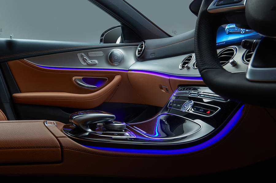 Mercedes-Benz E-Class E300de 2019 UK first drive review - centre console