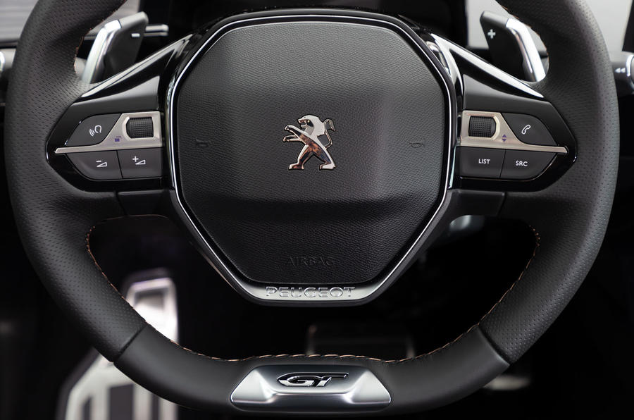 Peugeot 508 2018 review steering wheel