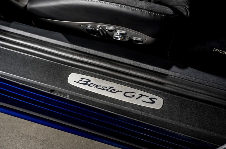 Porsche 718 Boxster GTS 4.0 PDK 2020 : premier examen de conduite au Royaume-Uni - plaques d'éraflures