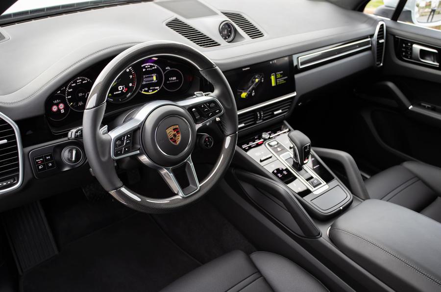 Porsche Cayenne E-Hybrid 2018 review dashboard