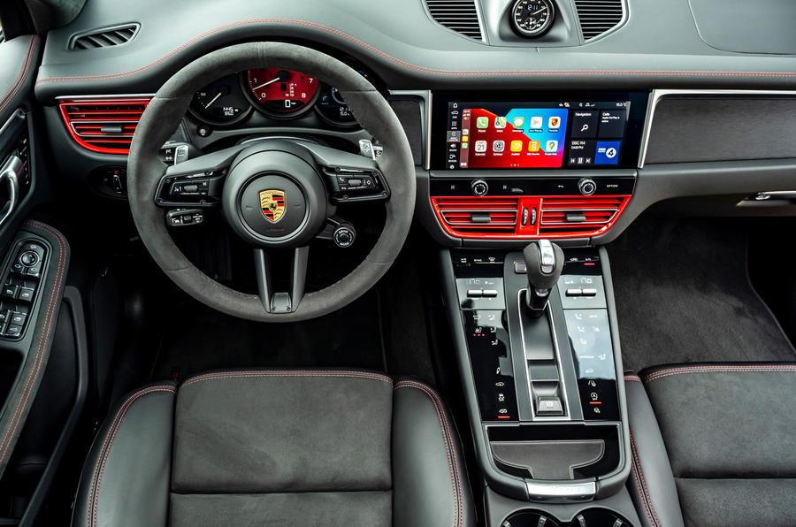 11 Volant du premier essai de la Porsche Macan GTS 2021 UE LHD
