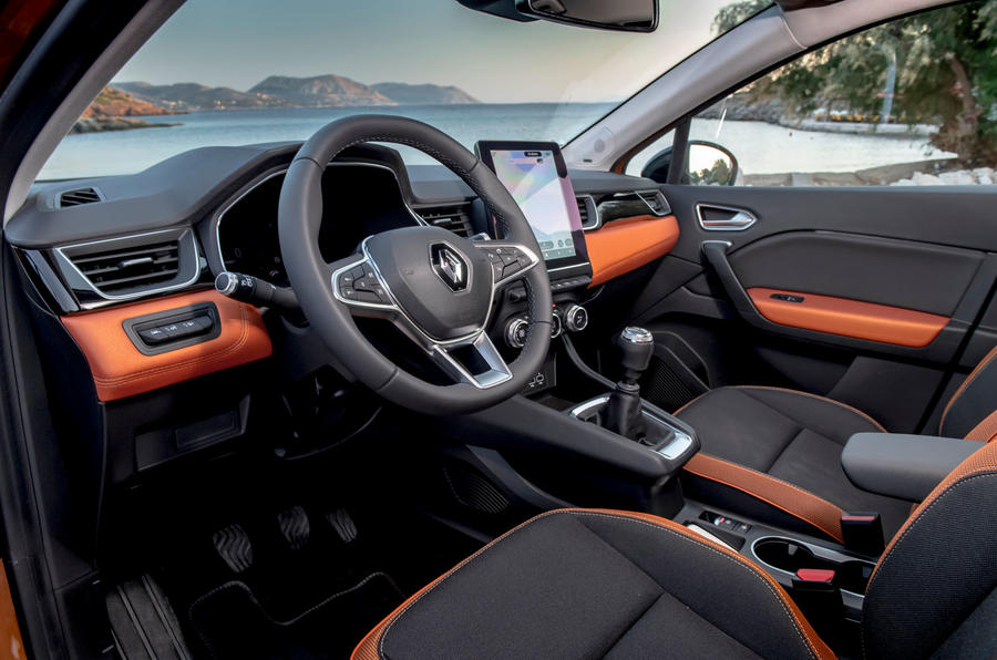 Renault Captur 2019 first drive review - cabin