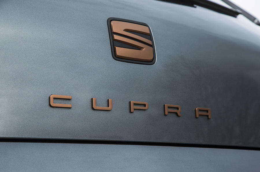 Seat Leon Cupra R 2018 UK review boot badge