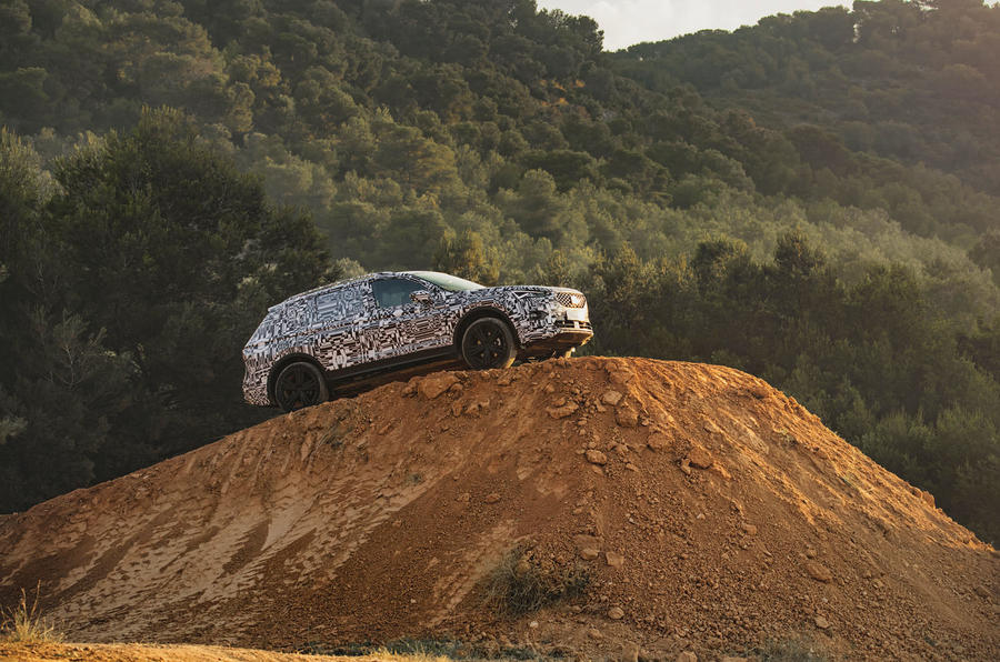 Seat Tarraco Prototype first drive 2018 static hill