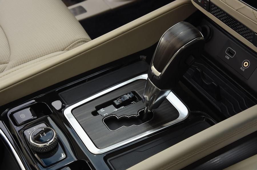 Ssangyong Rexton longterm review gearstick