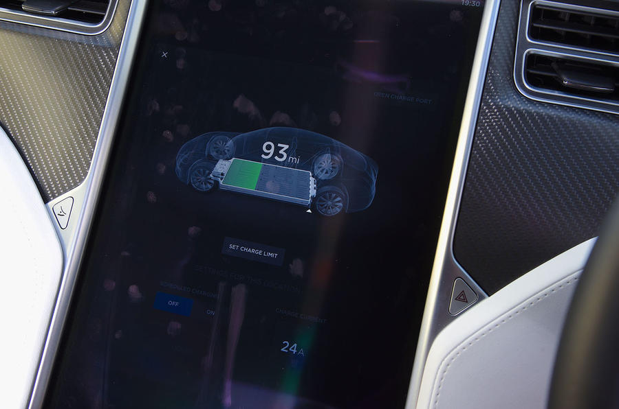 Tesla Model S 75D 2018 first drive review infotainment battery