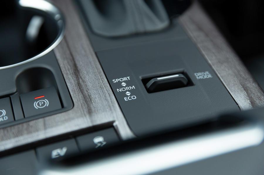 11 Toyota Highlander 2021 UE premier essai routier modes de conduite