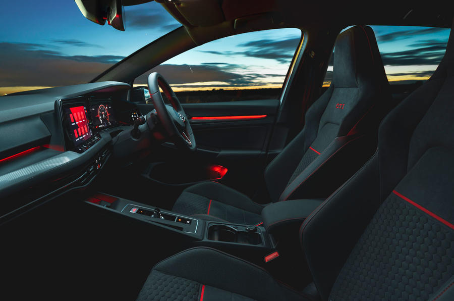 11 Volkswagen Golf GTI Clubsport 45 2021 UE FD habitacle