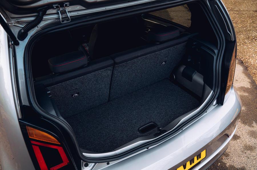 Volkswagen Up GTI 2020 : premier bilan de conduite au Royaume-Uni - boot