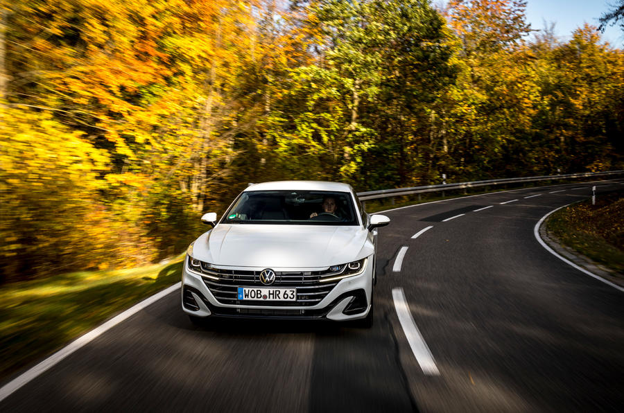 Volkswagen Arteon Shooting Brake eHybrid 2020 first drive review - cornering front