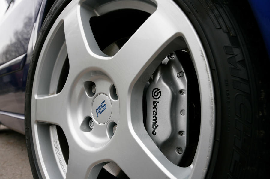 Ford Focus RS 2002 - wheel