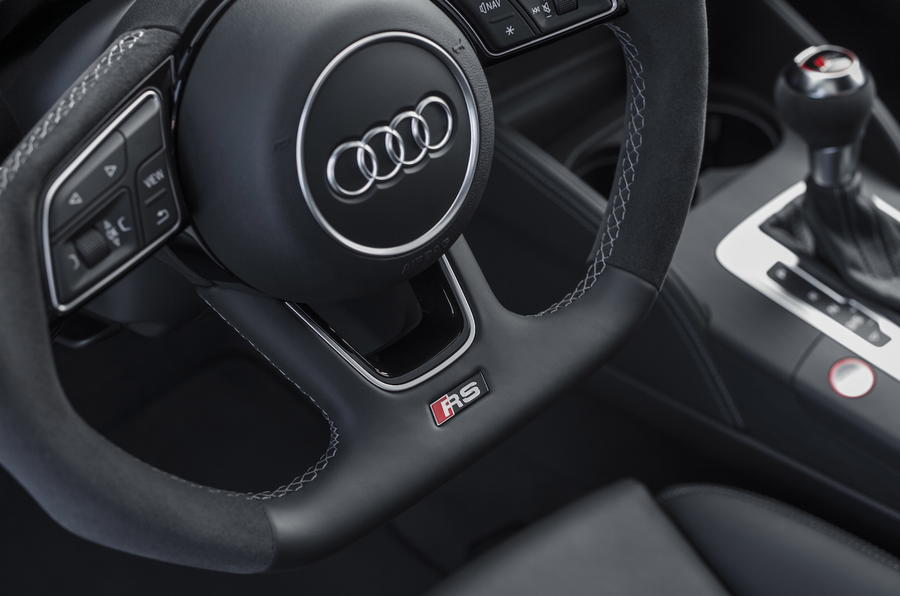Audi RS3 Saloon flat-bottom steering wheel