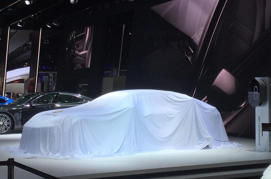 Porsche Panamera 4 E-Hybrid at the Paris motor show 2016 - show report and gallery