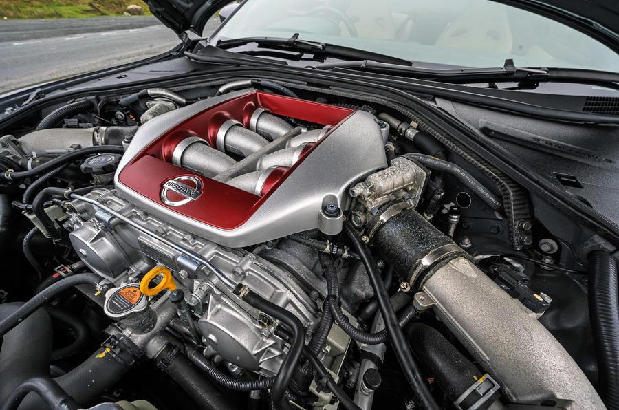 Nissan GT-R 2017 - engine