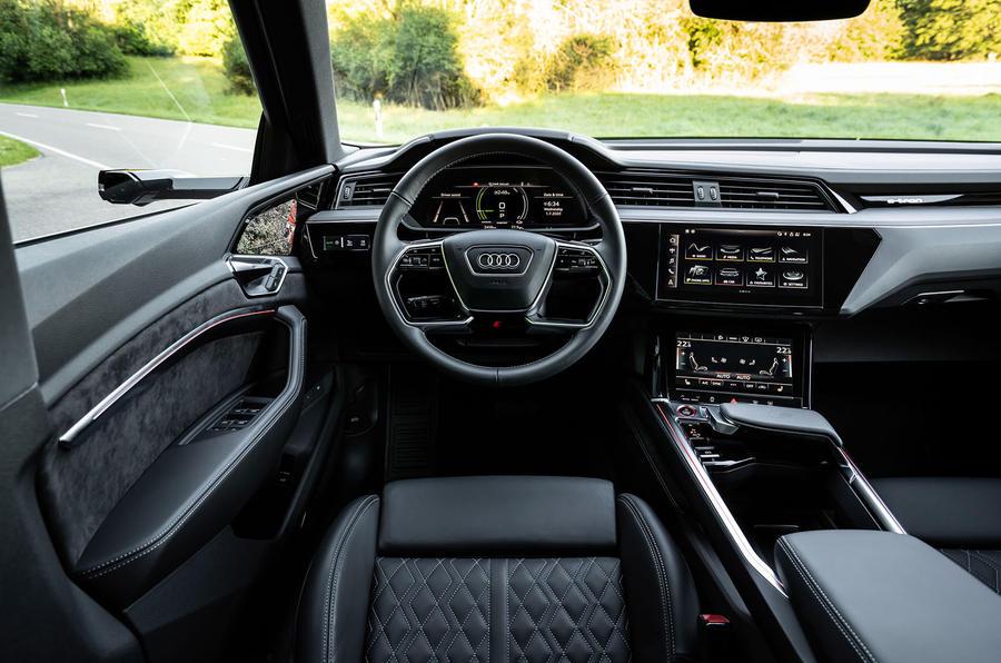 2020 - [Audi] E-Tron Sportback - Page 4 12-audi-e-tron-sportback-s-2020-fd-dashboard