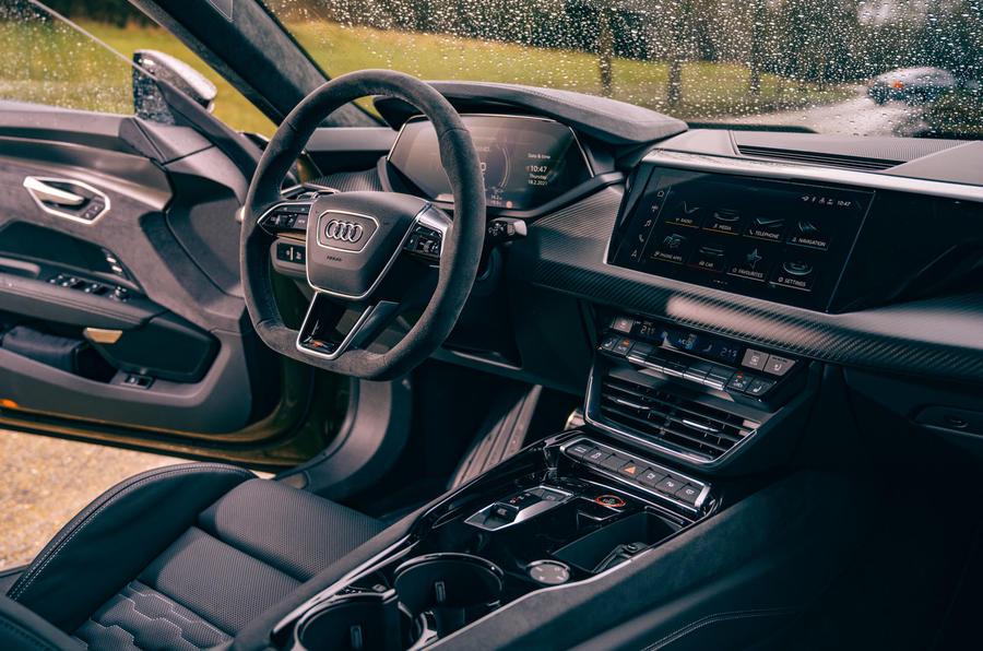 12 Audi RS E tron GT 2021 LHD premier tableau de bord de l'examen de conduite