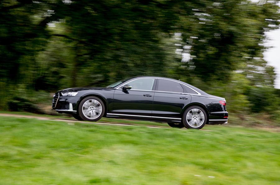 Audi S8 2020 : premier bilan de conduite au Royaume-Uni - sur le bord de la route