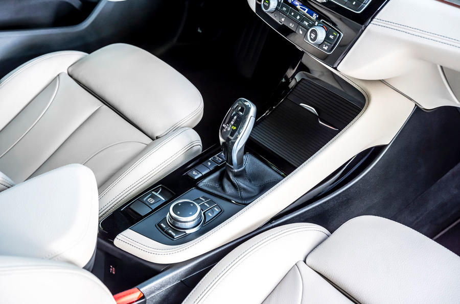 BMW X1 25d 2019 first drive review - centre console