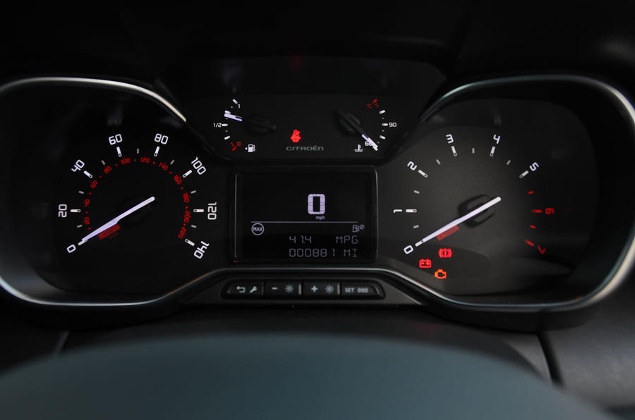Citroen C3 Aircross Flair Puretech 130 long-term review - instrument cluster