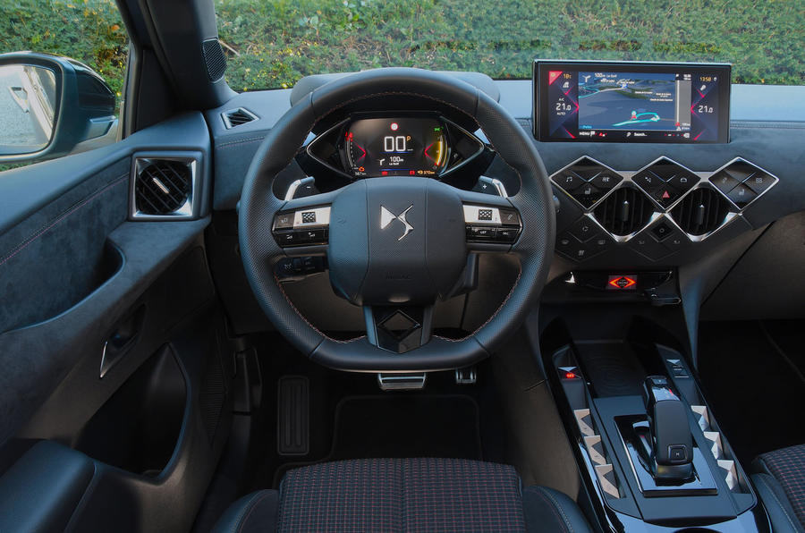 DS 3 Crossback 2019 first drive review - dashboard