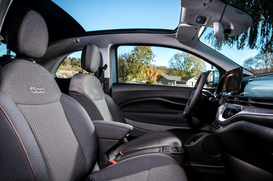 2021 Fiat 500 electric left-hand drive UK review - front seats