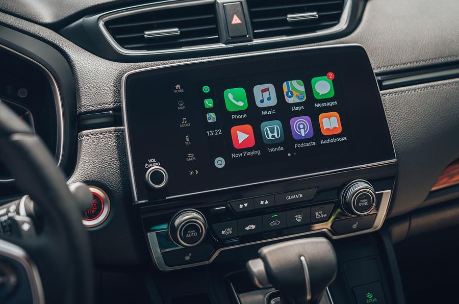 Honda CR-V 2018 first drive review infotainment