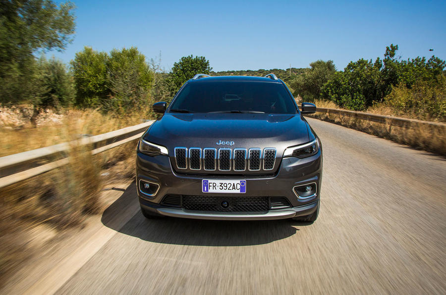 Jeep Cherokee Limited 2018 first drive review on the road nose