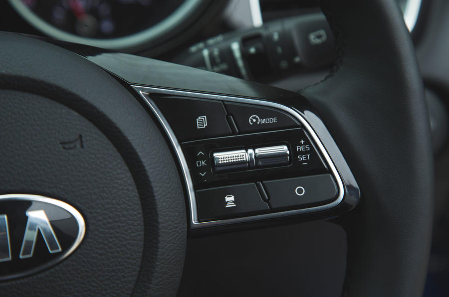 Kia Ceed 2018 long-term review - cruise control buttons