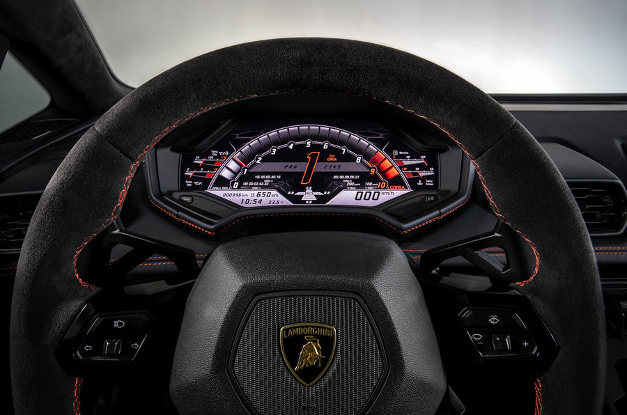 Lamborghini Huracan Evo 2019 first drive review - instruments race