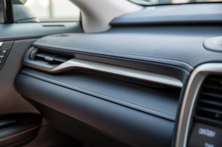 12 Lexus RX 450h L 2021 UE FD garniture intérieure