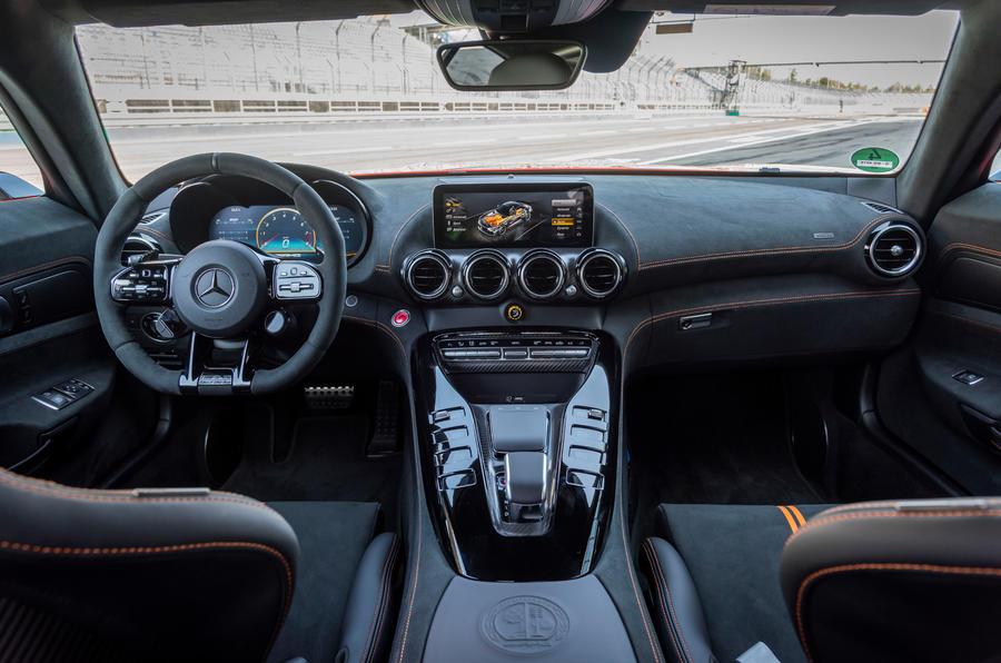 Mercedes-AMG GT Black Series 2020 : premier bilan de conduite - tableau de bord