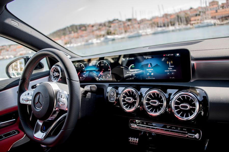 Mercedes-Benz A-Class A180D infotainment