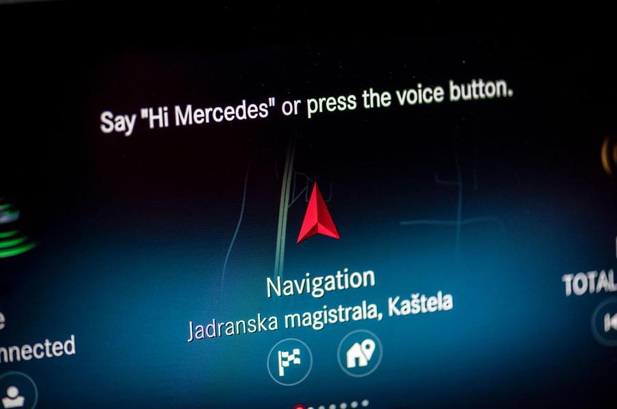 Mercedes-Benz A-Class A180D navigation