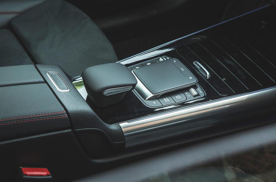 12 Mercedes Benz EQA 2021 : première console centrale d'examen de conduite au Royaume-Uni