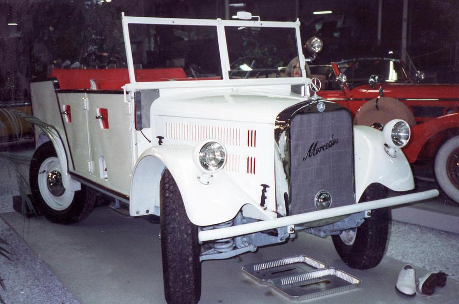 Mercedes Geländewagen - static front